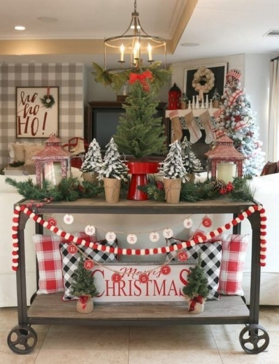 25-graceful-traditional-christmas-decoration-ideas-12